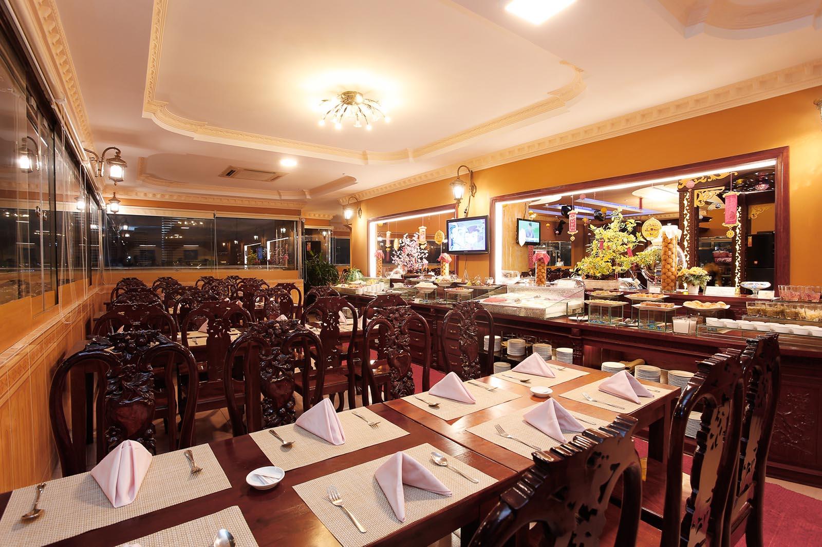 Buffet Hương Việt